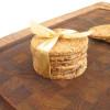 Ørredrillette med krydderurter og ristet rugbrød