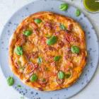 Min bedste pizza med surdej, salsiccia og hjemmelavet pizzasauce