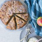 Æblekage med kanel og crumble