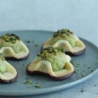 Napoleonshatte med lime og pistacie