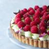 Pistacietærte med konditorcreme og hindbær