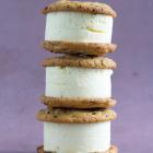 Issandwich med cookies og vaniljeis - uden ismaskine