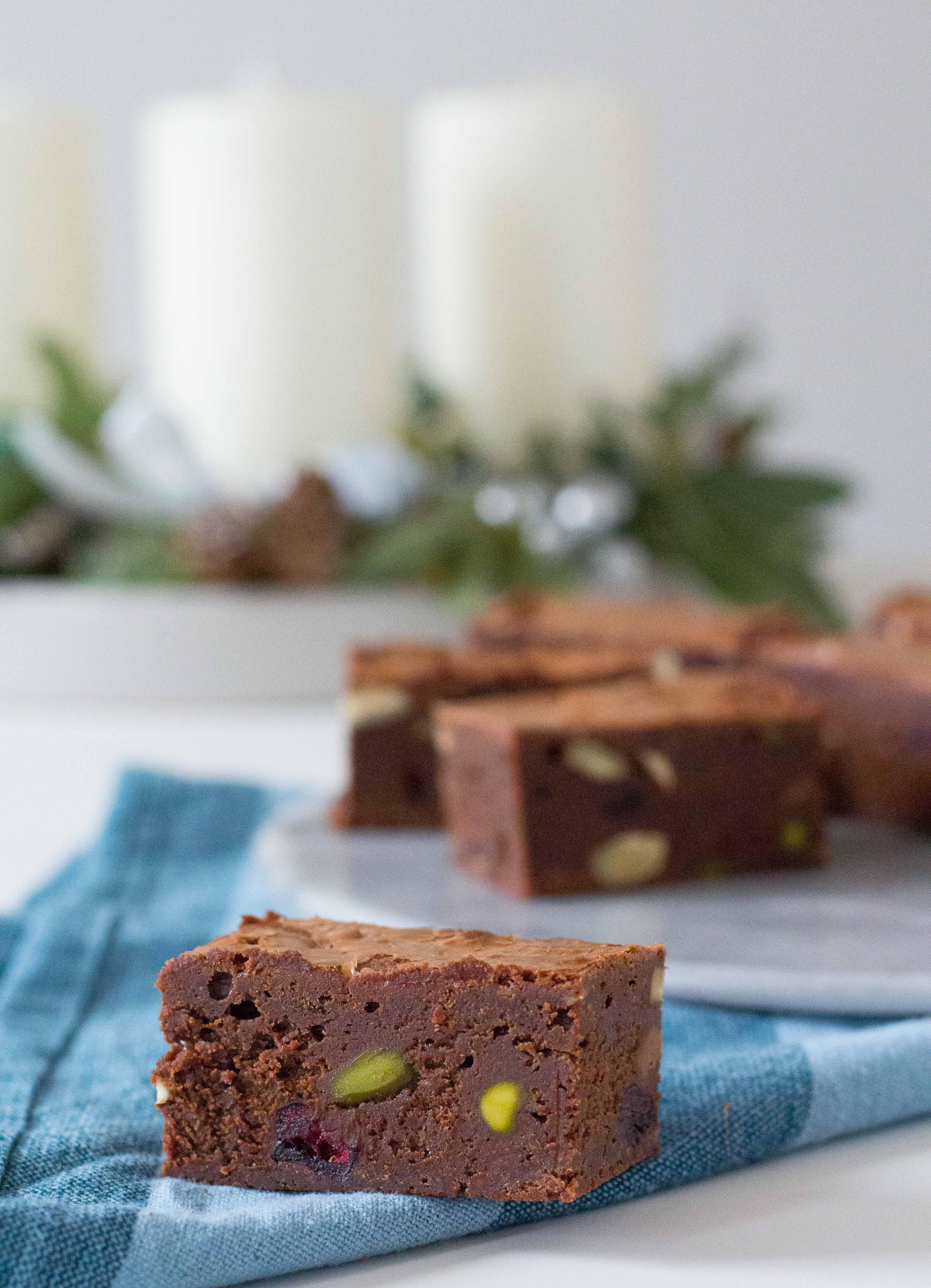 brownie med pistacie